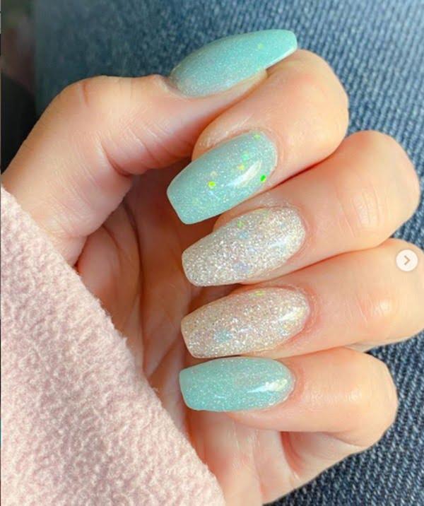 Efecto de azúcar para tus uñas de invierno. Foto Instagram @s.ash.nails