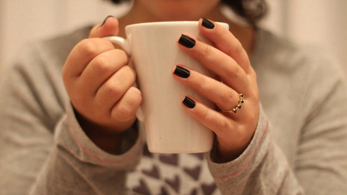 Te compartimos ideas para tus manicura de invierno. Foto Leticia Alvares 10 en Pixabay