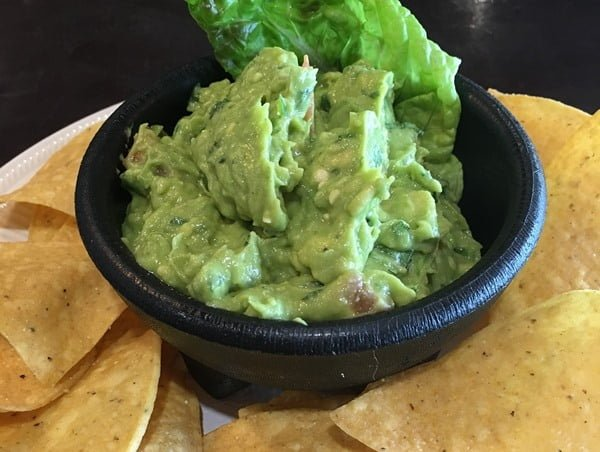 Además de ser rico, el guacamole es una botana muy saludable. Foto Michael Shivili en Pixabay