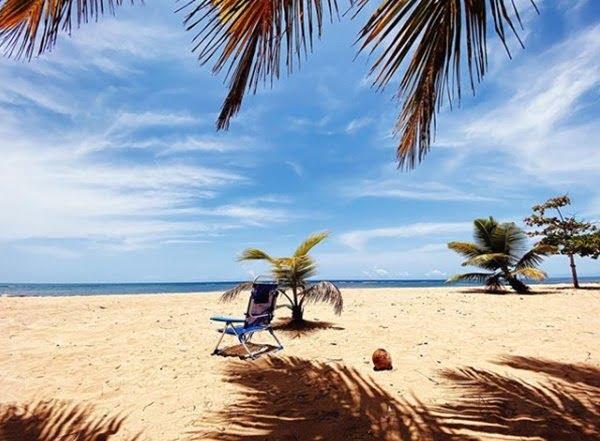 Las terrenas, playas de arena blanca y mar de aguar cristalina. Foto Instagram @lasterrenas.do