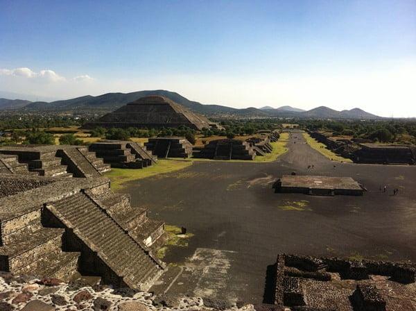 Teotihuacán es una de las zonas arqueolócias más hermosas de México. Foto Jnanni en Pixabay