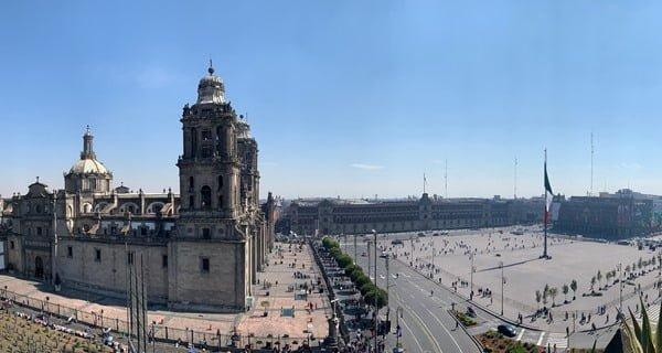 La catedral se encuentra en el Zócalo. Foto Hugo Tovar en Unsplash