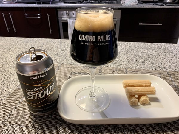 Cerveza Sierra Gorda Stout y dulce de leche. Foto Cortesía
