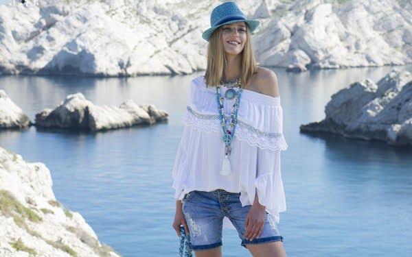 Combinación ganadora, shorts y blusas holgadas. Foto Capucine Moda en Pixabay