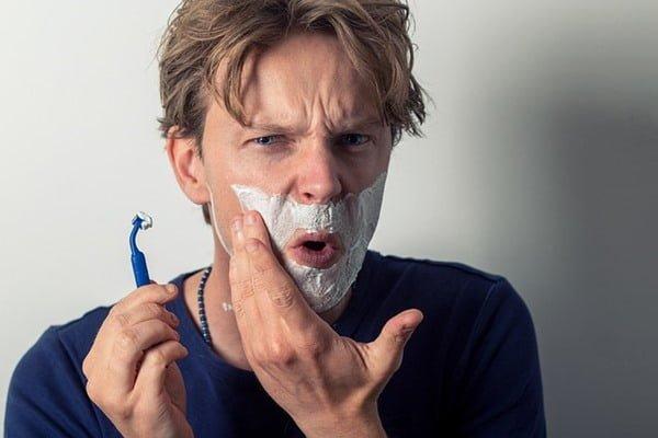 La piel masculina necesita cuidados especiales. Foto Sammy-Williams en Pixabay