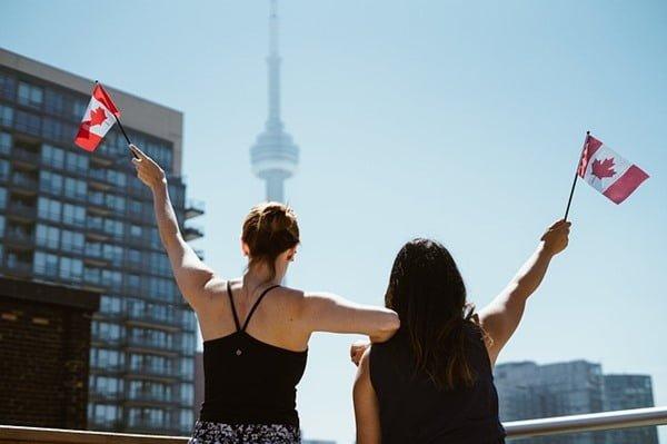 Canadá está recibiendo estudiantes. Foto StockSnap en Pixabay